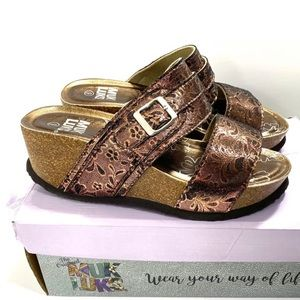 Muk Luks Emery Wedge Platform Sandals